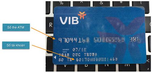 Thẻ của VIB in cả số thẻ lẫn số tài khoản, rất là tiện lợi để sử dụng thông tin