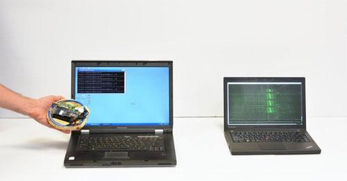 Hack máy tính bằng... bánh mỳ và máy thu radio