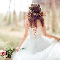 7 kiểu tóc đẹp nhất cho cô dâu trong ngày cưới