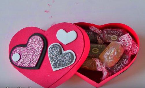 Hộp trái tim đựng quà 20 - 10