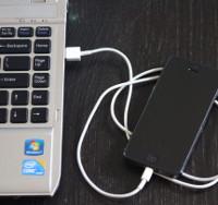 Làm thế nào để chuyển ảnh từ iPhone, iPad sang máy tính Windows 10?