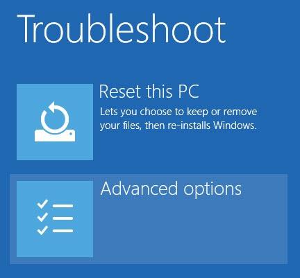 """Trên cửa sổ Troubleshoot, chọn tùy chọn """"Advanced Options"""""""