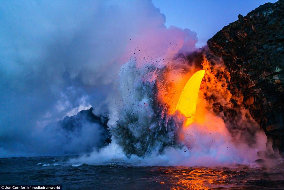 Ngọn núi lửa này đã phun trào liên tục suốt 34 năm qua, từ năm 1983 tới nay