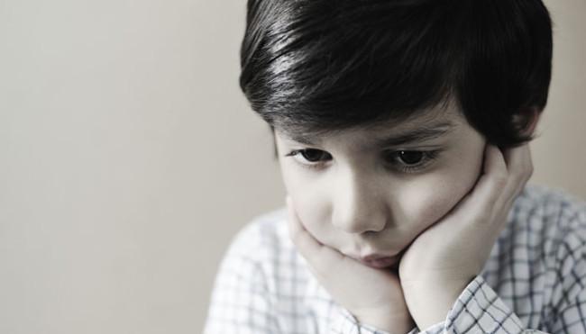 Các bé trai có nguy cơ mắc chứng tự kỷ cao hơn các bé gái