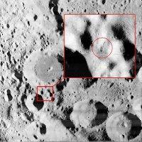 """Phát hiện """"ăng-ten của người ngoài hành tinh"""" trên Mặt Trăng?"""