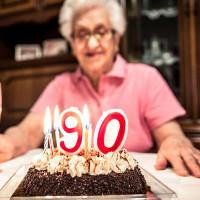Các nhà khoa học xác định 17 dấu hiệu di truyền mới liên quan đến kéo dài tuổi thọ