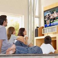 Hướng dẫn chọn mua tivi phù hợp cho gia đình có người lớn tuổi