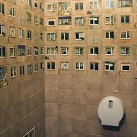 Thuê kiến trúc sư trang trí lại toilet nhưng không cho dỡ gạch và kết quả nhận được thật bất ngờ!
