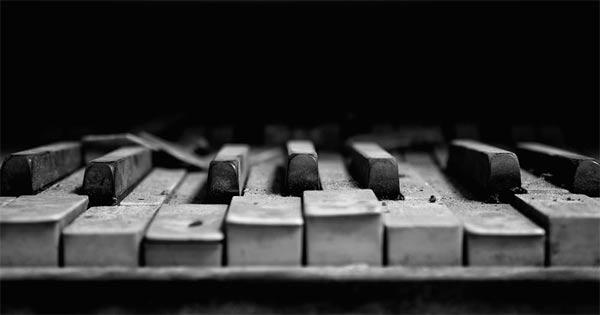 Macro Piano