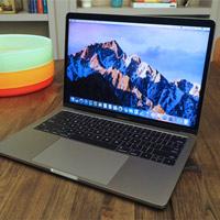Macbook Pro 13 inch được thay pin miễn phí theo chương trình của Apple