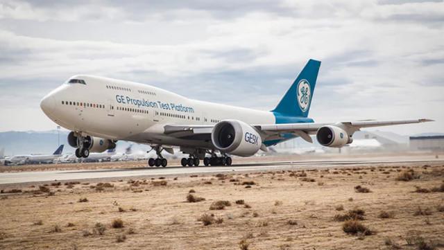 Động cơ phản lực lớn nhất thế giới GE9X thực hiện chuyến bay đầu tiên
