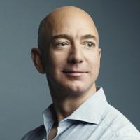 """Những người giàu nhất thế giới như Jeff Bezos """"tiêu tiền"""" như thế nào?"""