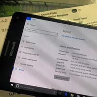 Video: Windows 10 ARM hoạt động mượt mà trên Lumia 950 XL