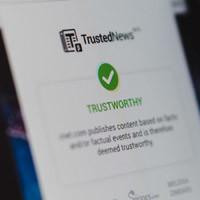 Cách sử dụng TrustedNews để biết tin tức bạn đang xem có đáng tin hay không