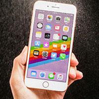 iPhone là điện thoại của hãng nào?