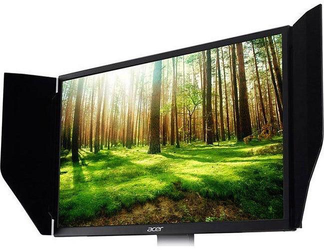 Kích thước màn hình lớn hơn, độ bảo hòa màu cao